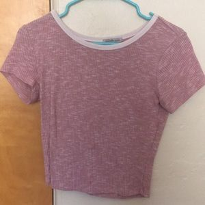 Cute pink cropped top w a white collar